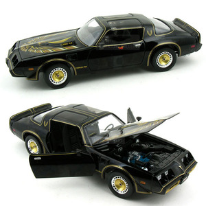 "엑스캅터 - Pontiac Firebird Trans Am turbo 4.9L ""Smokey & The bandit II"" 1980 (GL013970BK)"